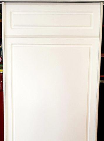 Белая дверь купе, МДФ фрезерованный