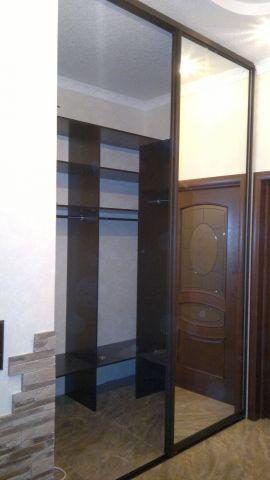 Шкаф-купе зеркальный, встроенный