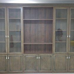 Шкафы для офиса в классическом стиле