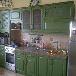Кухня из массива с крашеным фасадом