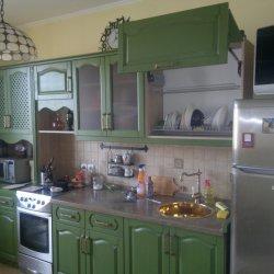 Кухня из массива с крашеным фасадом 2