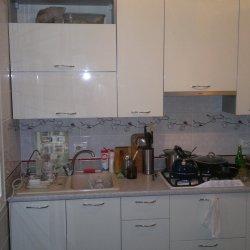 Кухня с белым фасадом из крашенного МДФ 2