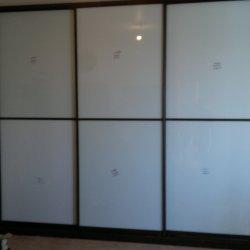 Шкаф купе фасад белое стекло