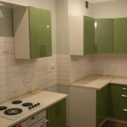 Зеленая кухня под кантри (крашенный мдф) 2