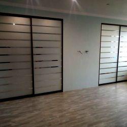 Встроенные шкафы в современном стиле