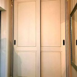 Встроенный классический шкаф-купе 3