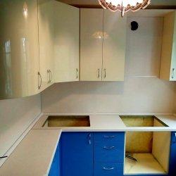 Кухня МДФ с закругленными фасадами