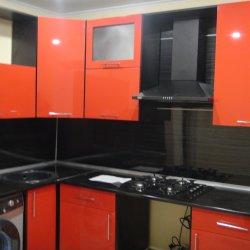 Кухня МДФ-пластик черно-ораньжевая