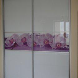 Шкаф-купе, белое стекло и вставка с фотопечатью