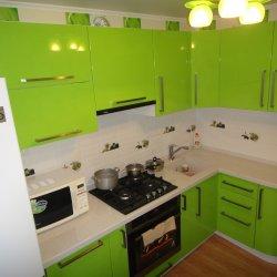 Кухня МДФ глянец зеленая 2