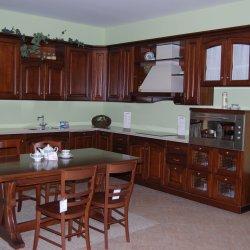 Кухня из массива дерева угловая