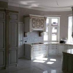 Полукруглая кухня вдоль окна 2