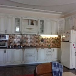Белая кухня  барокко 2