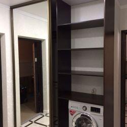 Гардеробная с зеркальными дверями-купе (3)