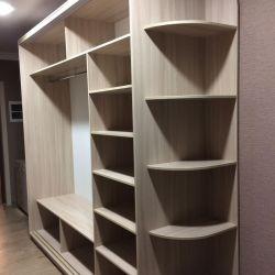 Корпусный шкаф с открытой угловой полкой