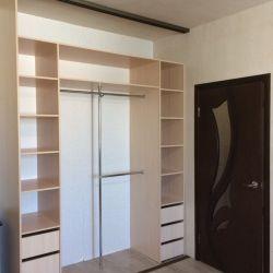 Встроеный шкаф во всюстену