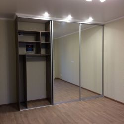 Шкаф купе 3-х дверный зеркало серебро 1