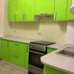 Яркая зеленая кухня из крашенного мдф 6