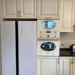 Большой кухонный гарнитур со встроенной техникой