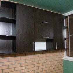 Навесные шкафы и полки