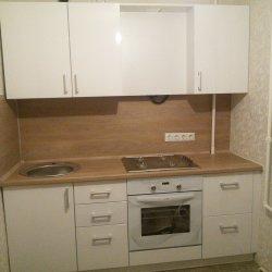 Встроенная кухня белая