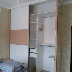 Встроенный шкаф с пантографом