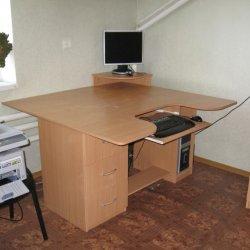 Большой писменный стол