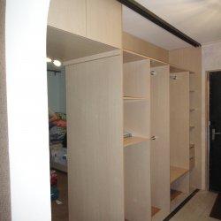 Встроенный двойной шкаф