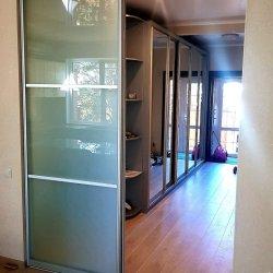Раздвижная дверь кухня-прихожая
