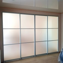 4-дверная перегородка из матового стекла