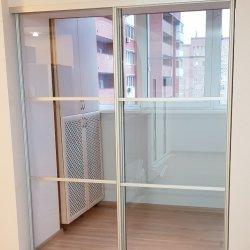 Раздвижные двери, прозрачное стекло