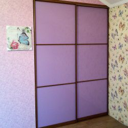 Встроенный шкаф-купе для детской