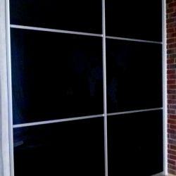 Шкаф-купе с черным стеклом Lakobel 1