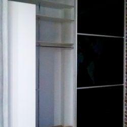 Шкаф-купе с черным стеклом Lakobel 3