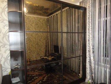 Шкафы-купе зеркальные