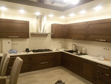 Кухня с фасадами из брошированного шпона - 436000 р.