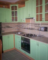 Зеленая кухня из пленочного МДФ