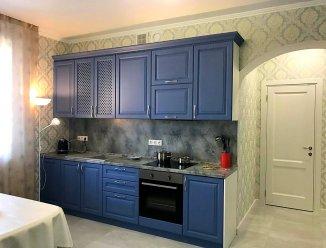 Синяя кухня, наборной МДФ под дерево