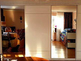 Двери купе МДФ с фрезеровкой для встроенного шкафа