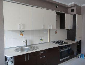 Черно-белая кухня ЛДСП