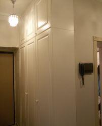 Белые шкафы с фрезеровками