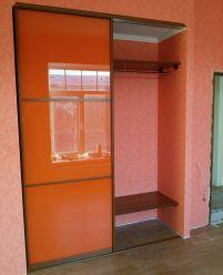 Оранжевый шкаф-купе с пленкой Оракал