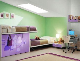 Фиолетовая детская с цветами