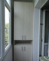 Распашные шкафы на балкон