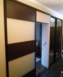 Раздвижные двери лдсп и стеклянные вставки