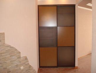 Встроенный шкаф ЛДСП с вставками,  Кофейный