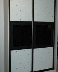 Шкаф-купе кожа и черное стекло
