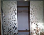 Шкаф во всю стену для спальни